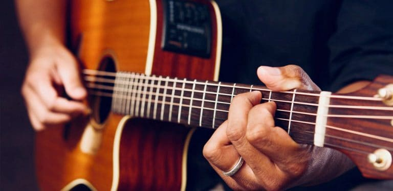 fingerpicking guitar