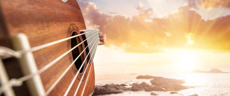 Bright Sounding Acoustic Guitar