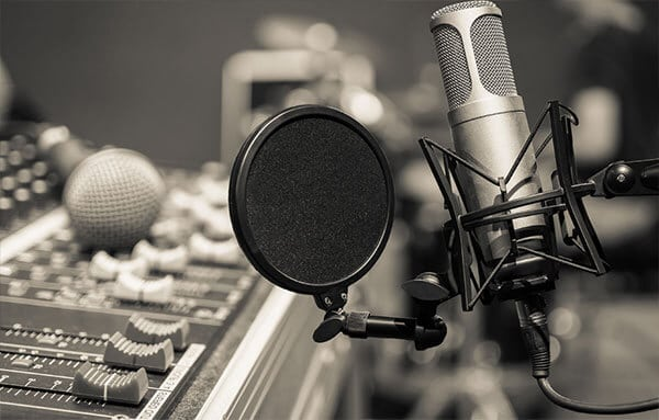Condenser Microphone and Mixing Console